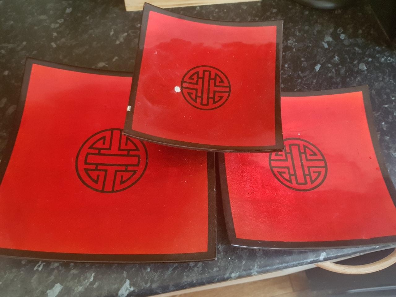 3 x bamboo plates