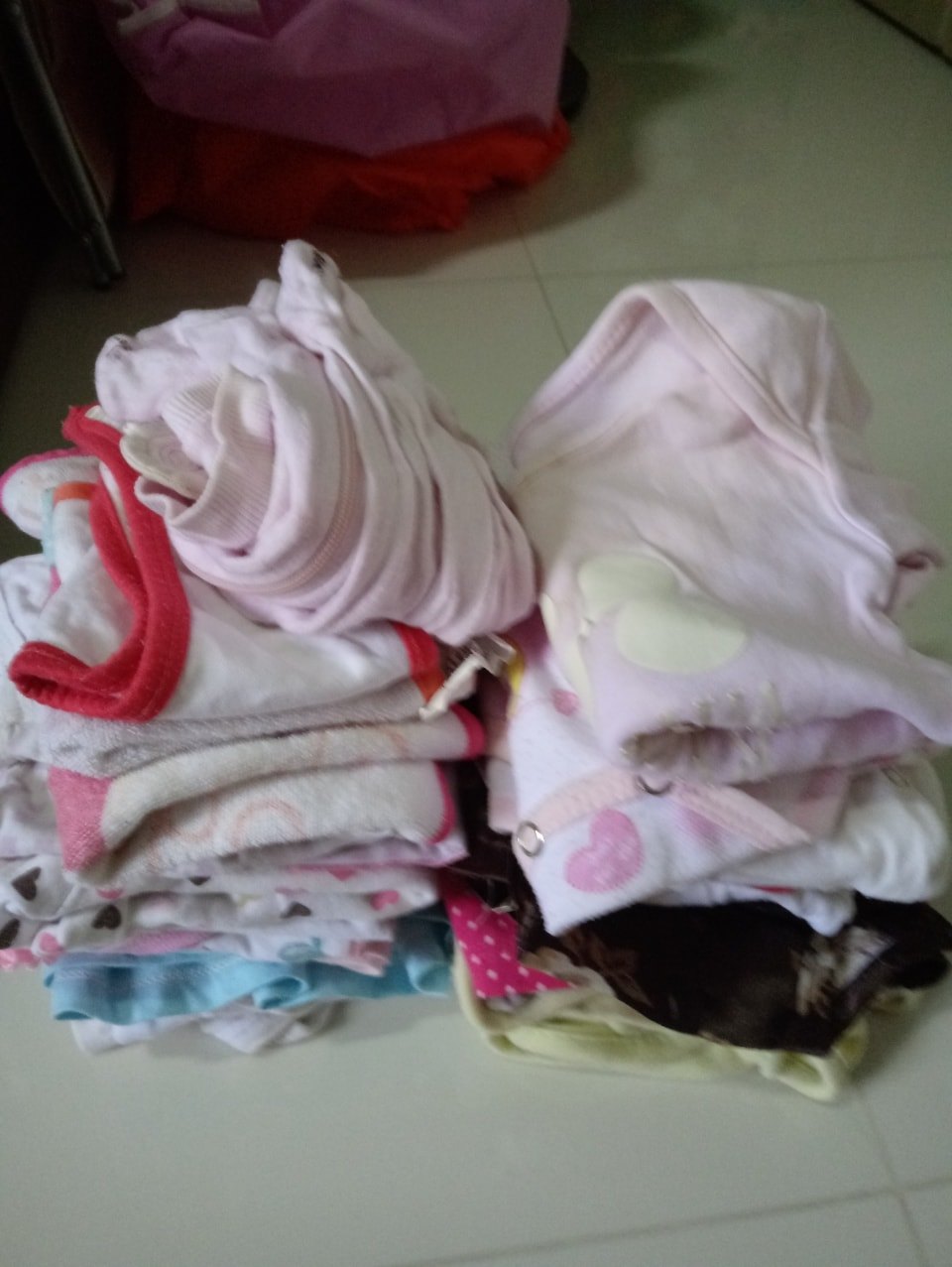 Baby clothes (3-9 months)