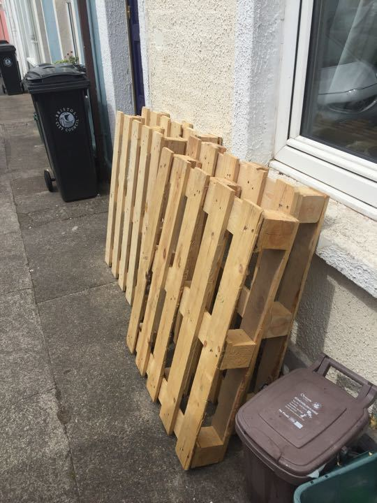 FREE on Street collection! 4x Euro Pallets excellent condition