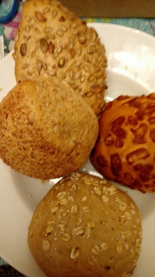 Mix of small breads, it is only a pic. 30/11.