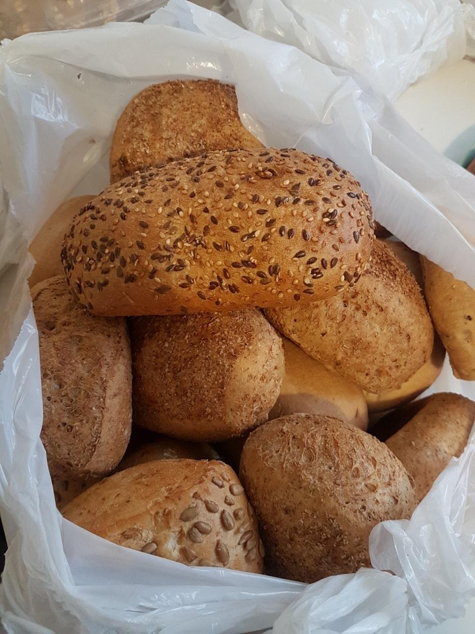 Many bread buns