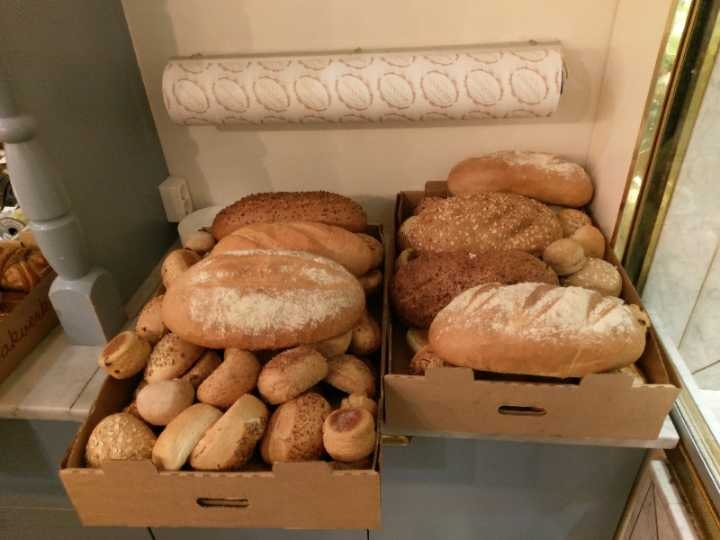 Breads f Lindquists