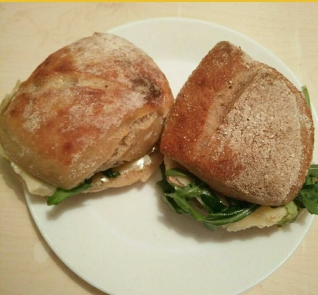 Sandwich with sallad and cheese