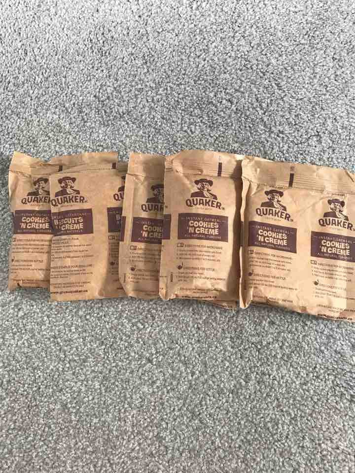 5 cookies n creme quacker oats sachets from Canada