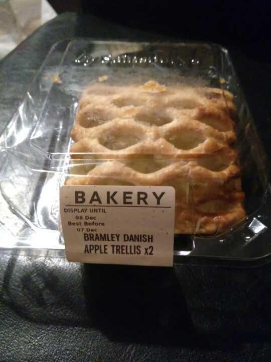 1 pack of Bramley apple trellis pastry