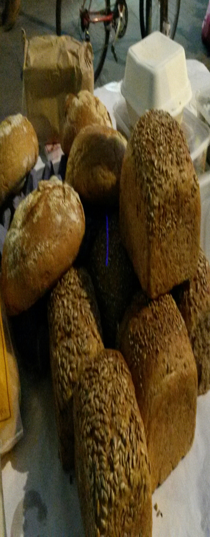Over 4kg of various breads