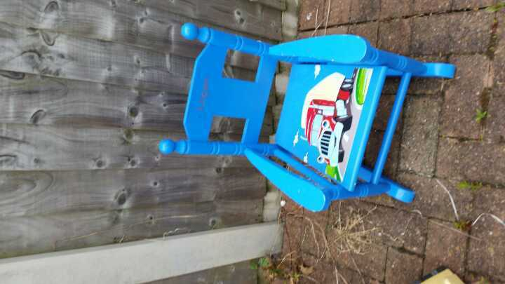 Blue rocking chair - ideal for a project