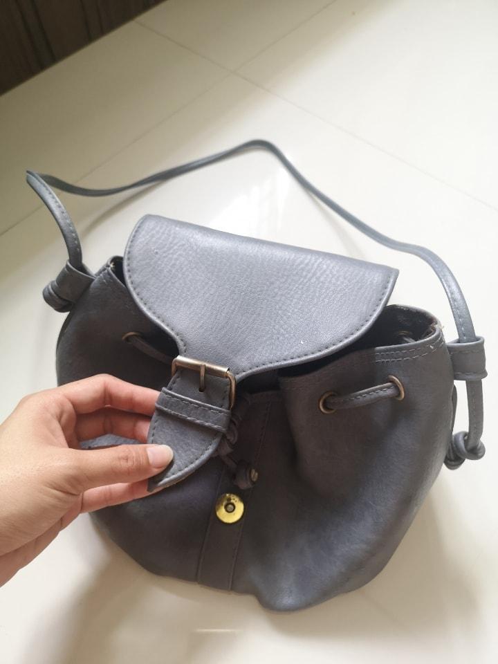 Grey ladies bucket bag