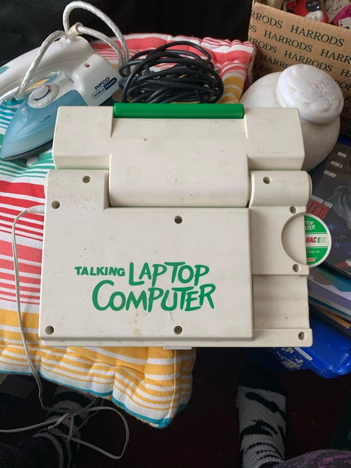 Talking laptop with one disc