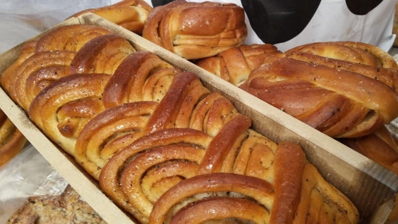 Misc Soderberg bread,  buns,  ...