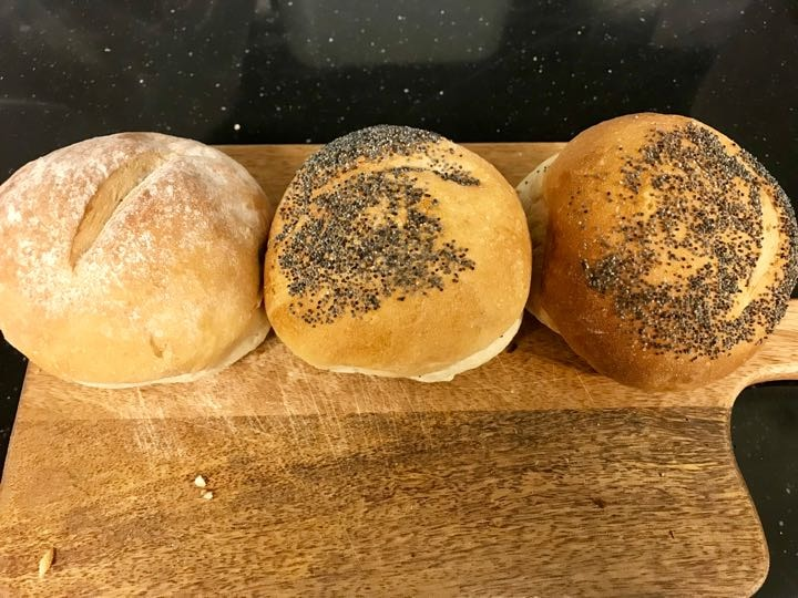 Fresh buns from Pesso (04/03)