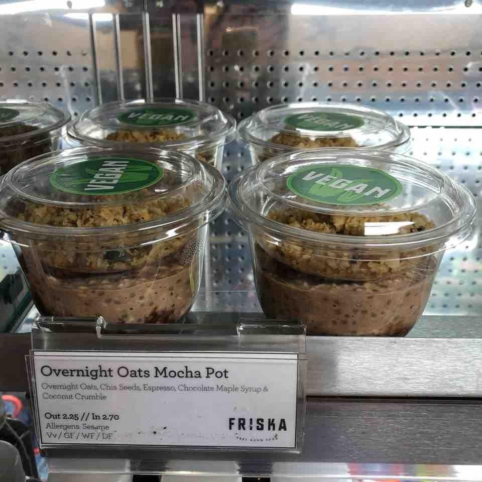 Overnight oat mocha pots