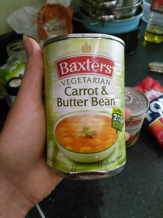 Vegetarian carrot and butter bean soup