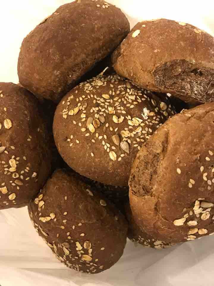 Fresh brown rolls from Pesso (03/06)