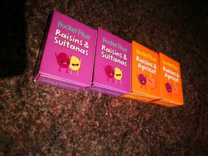 4 packets of raisins