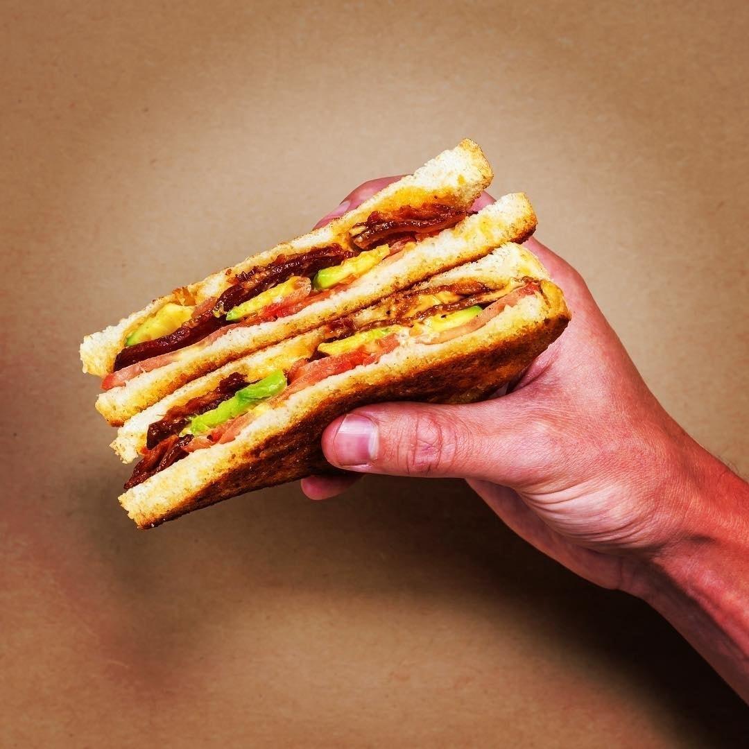 Chicken Club Sandwich - FRISKA