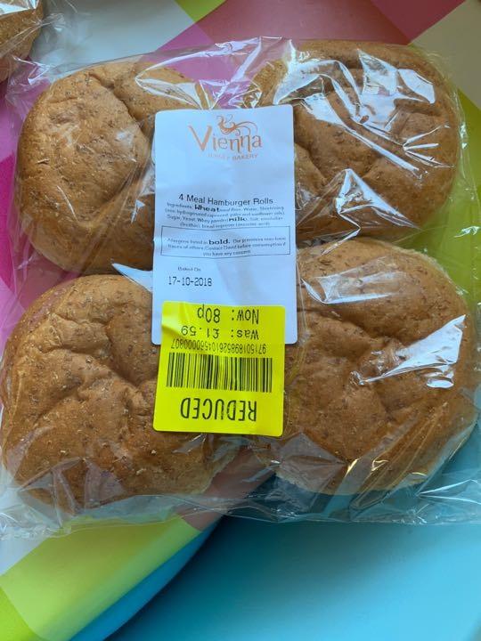Wholemeal buns x 4