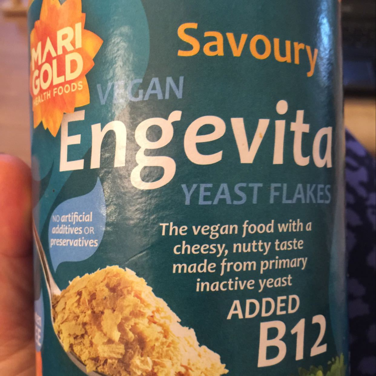 Nutritional Yeast Flakes with B12