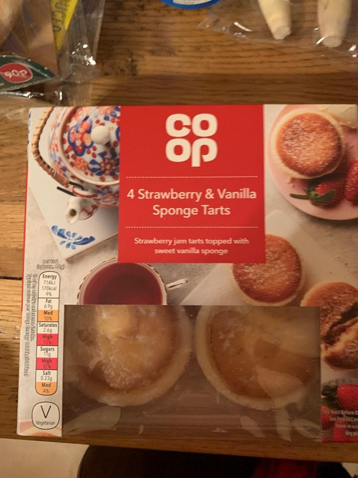 4 strawberry and vanilla tarts