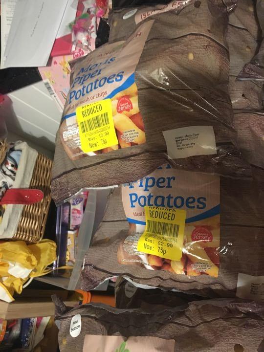 Maris piper potatoes x 4
