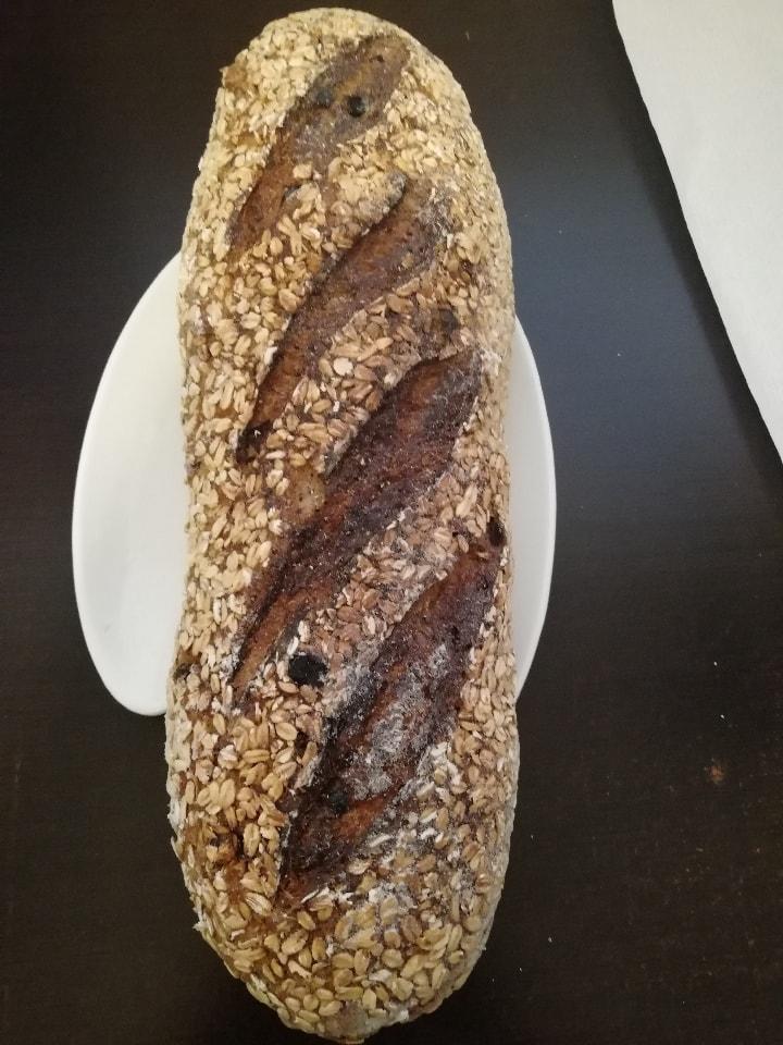 Hogaza completa de pan de granos