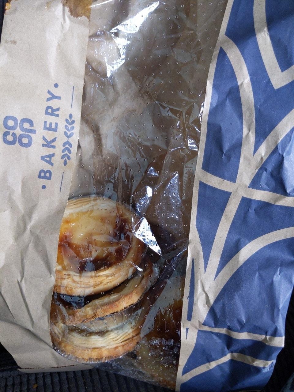 4 Portuguese tarts