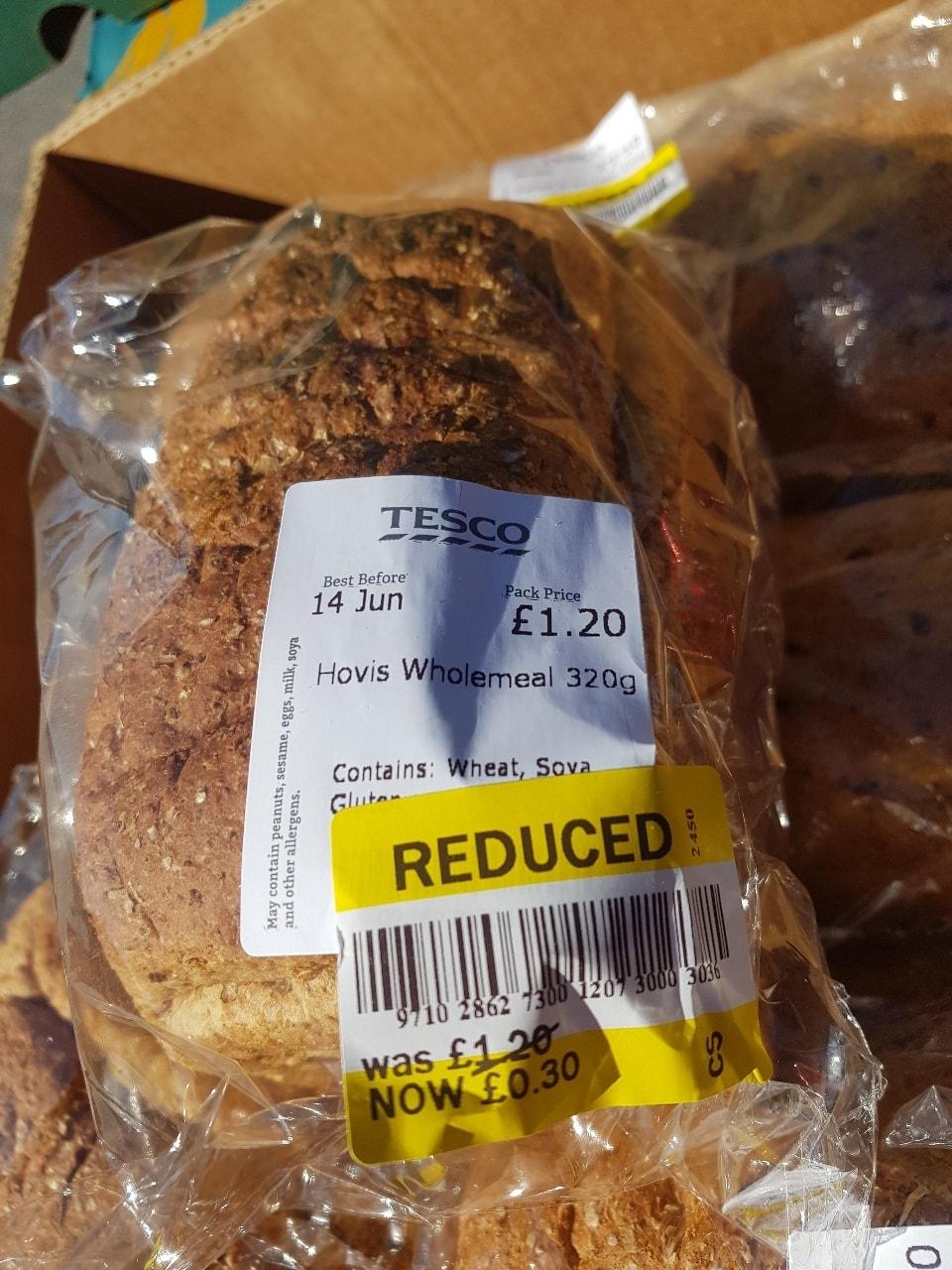 Hovis wholemeal 320g loaf