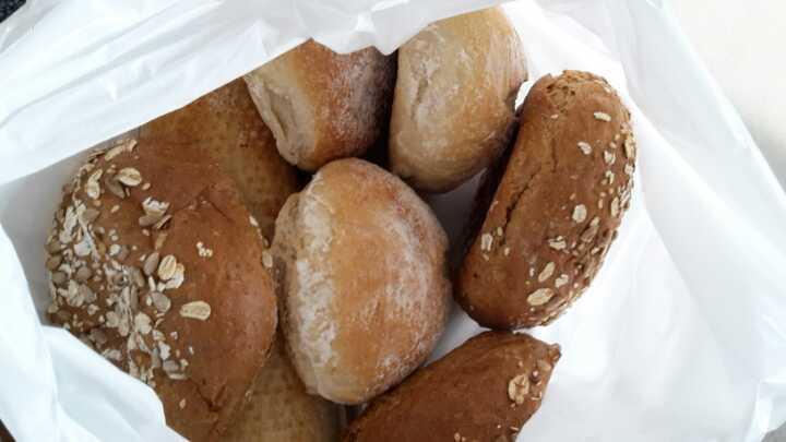 bread rolls x 6