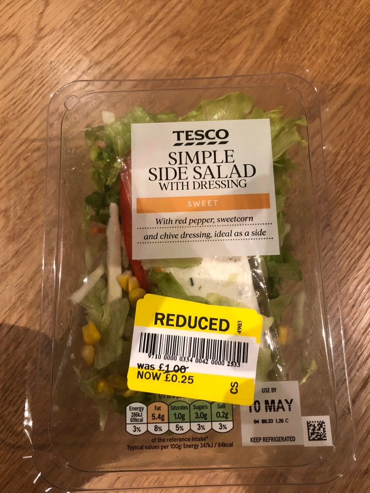 Tesco simple salad with dressing 165g