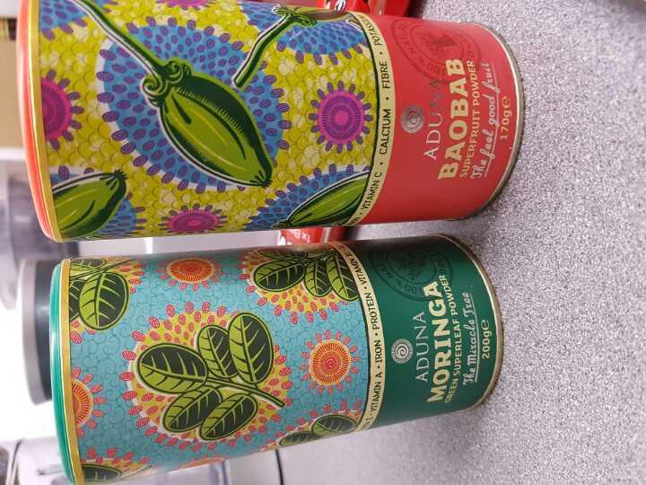 Baobab and moringa powder