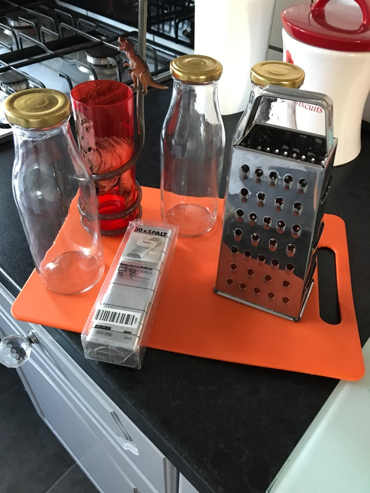 Chopping board and bits