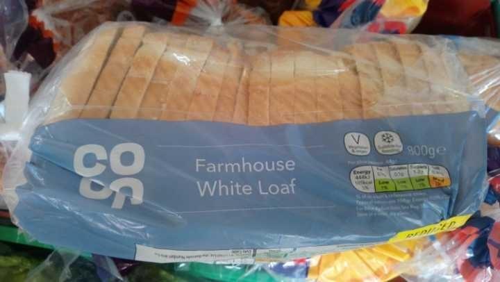 Coop farmhouse white sliced