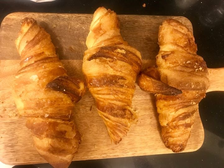 Fresh croissants from Pesso (19/02)