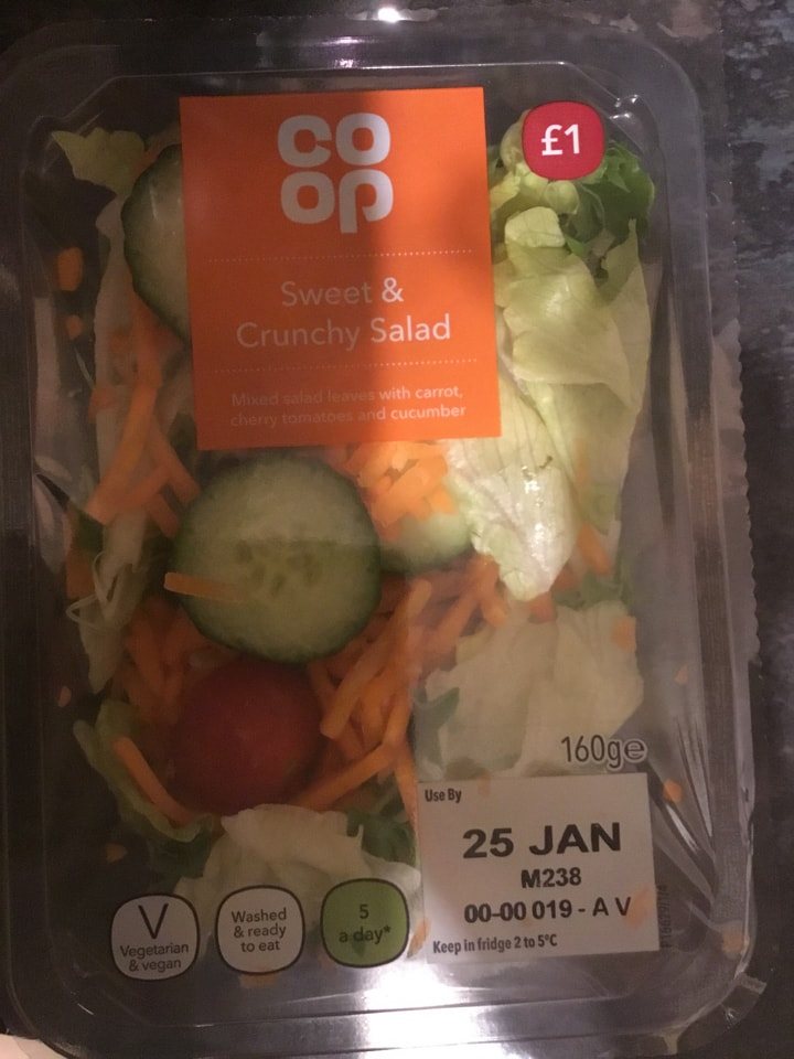 Sweet & crunchy salad bowl