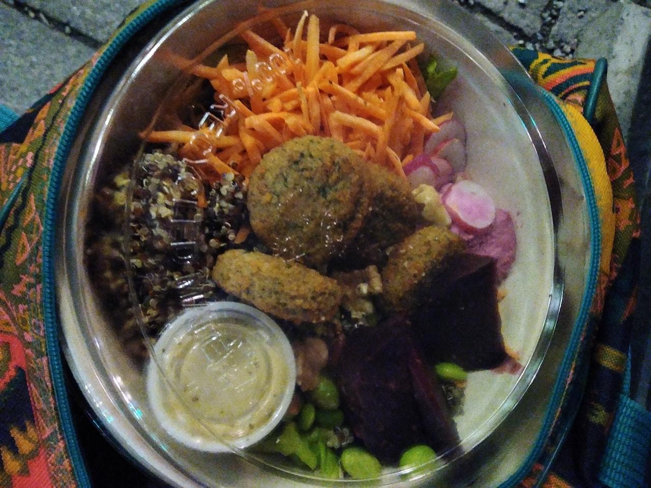 1 falafel veggie rainbow salad bowl