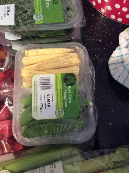 Baby corn and mangetout