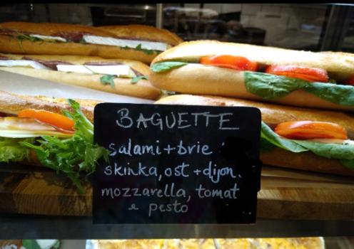 1 x mozzarella baguette sandwich