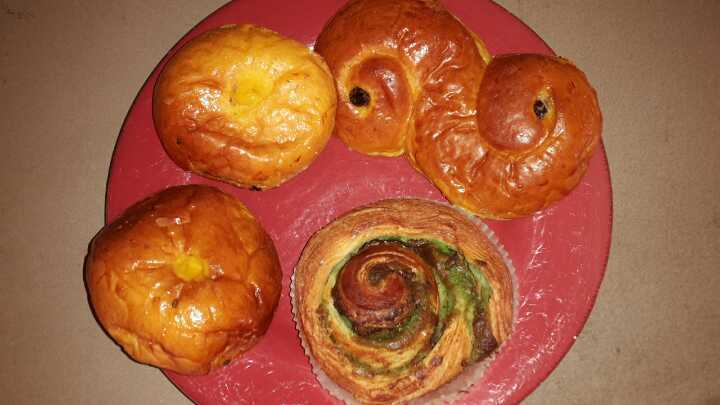 Mix of pastries (4 pieces)