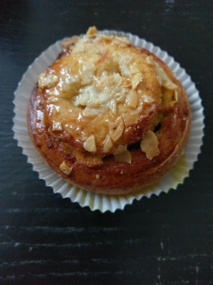 (Bun + almond) x 5