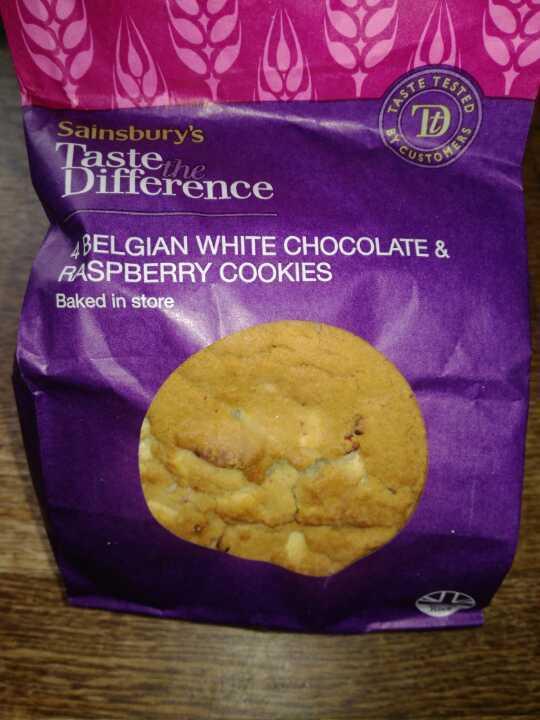 4 belgium white chocolate and raspberry cookies