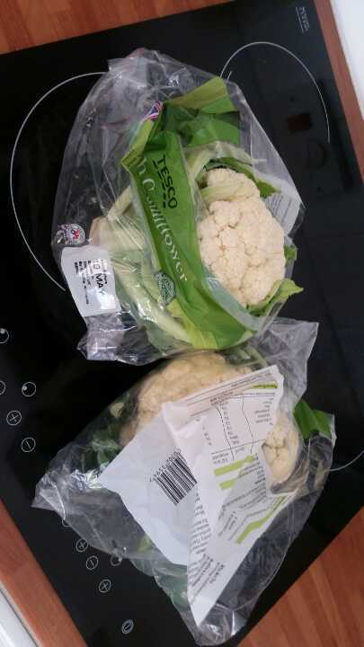 2 fresh cauliflowers
