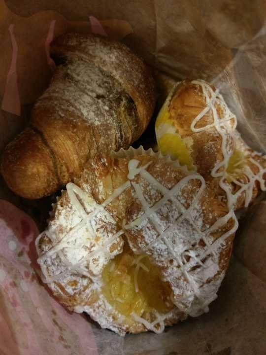 Bread/bun/pastry