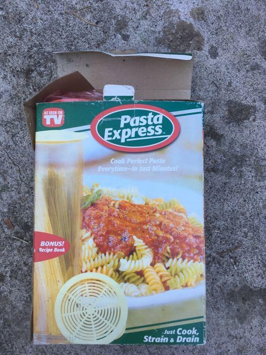 Pasta express pasta vegetable cooker