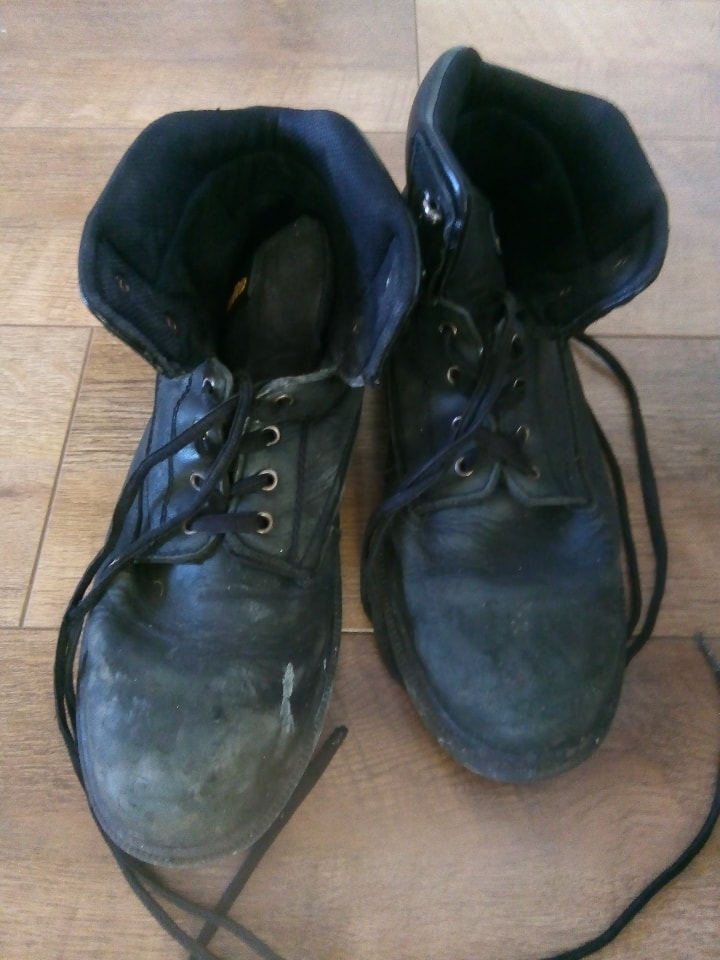 Steel toe capped boots UK size 12
