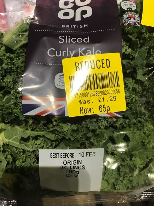 Sliced curly kale