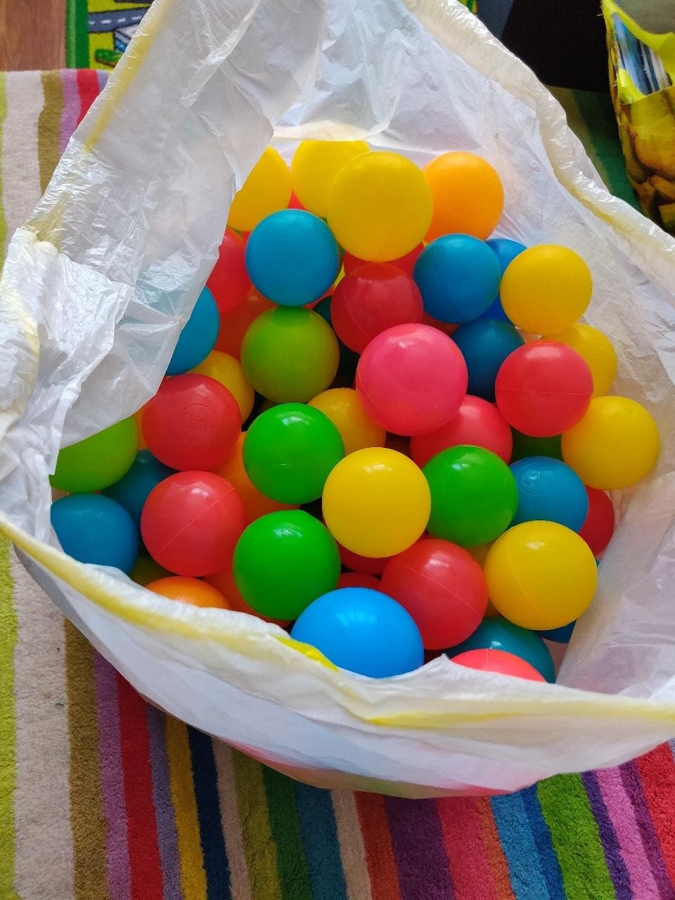 Colourful ball pit balls