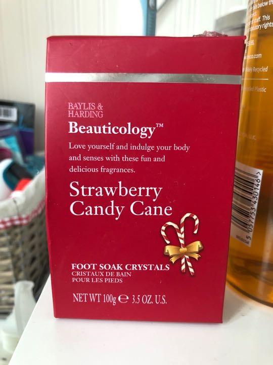 Strawberry candy cane footsoak