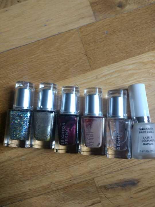 Nail varnishes