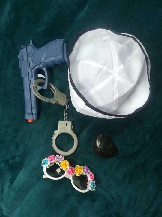 Dress up accessories