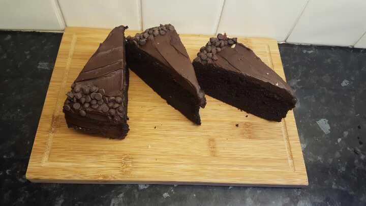 3x Slices Chocolate Cake. H